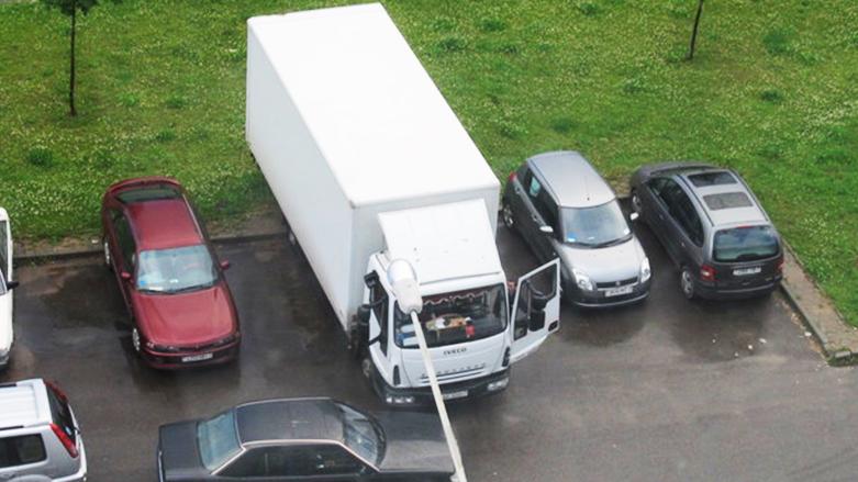 В Минске будут пресекать несанкционированные парковки большегрузов во дворах с 1 июня