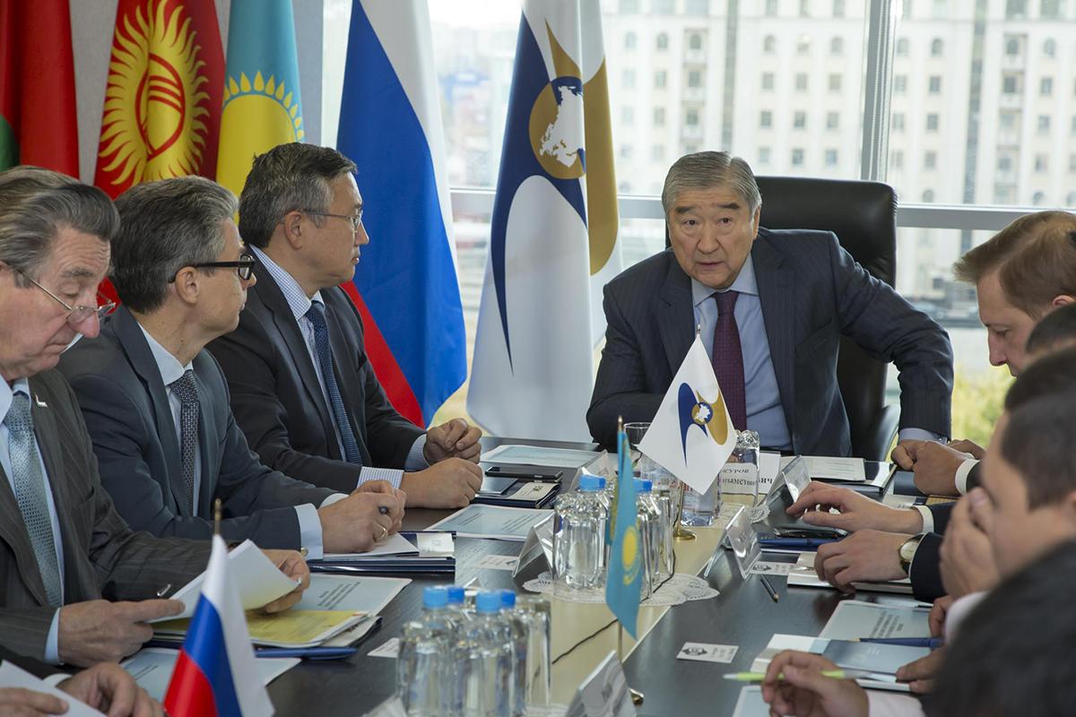 В ЕЭК обсудили реализацию транспортной политики в ЕАЭС