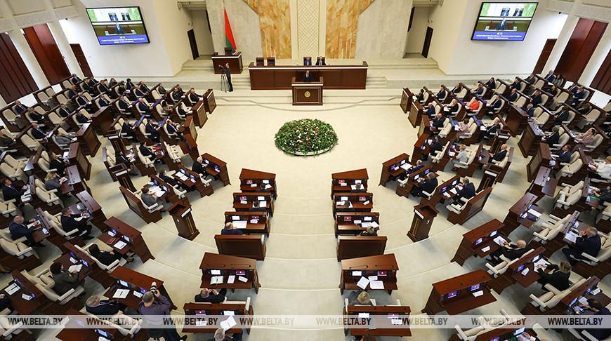 Депутаты приняли в первом чтении законопроект о дорожном движении